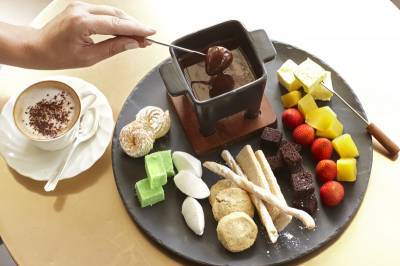 b2ap3_thumbnail_BELMOND-HOTEL-winter-special-chocolate-fondue-June-2017.jpg